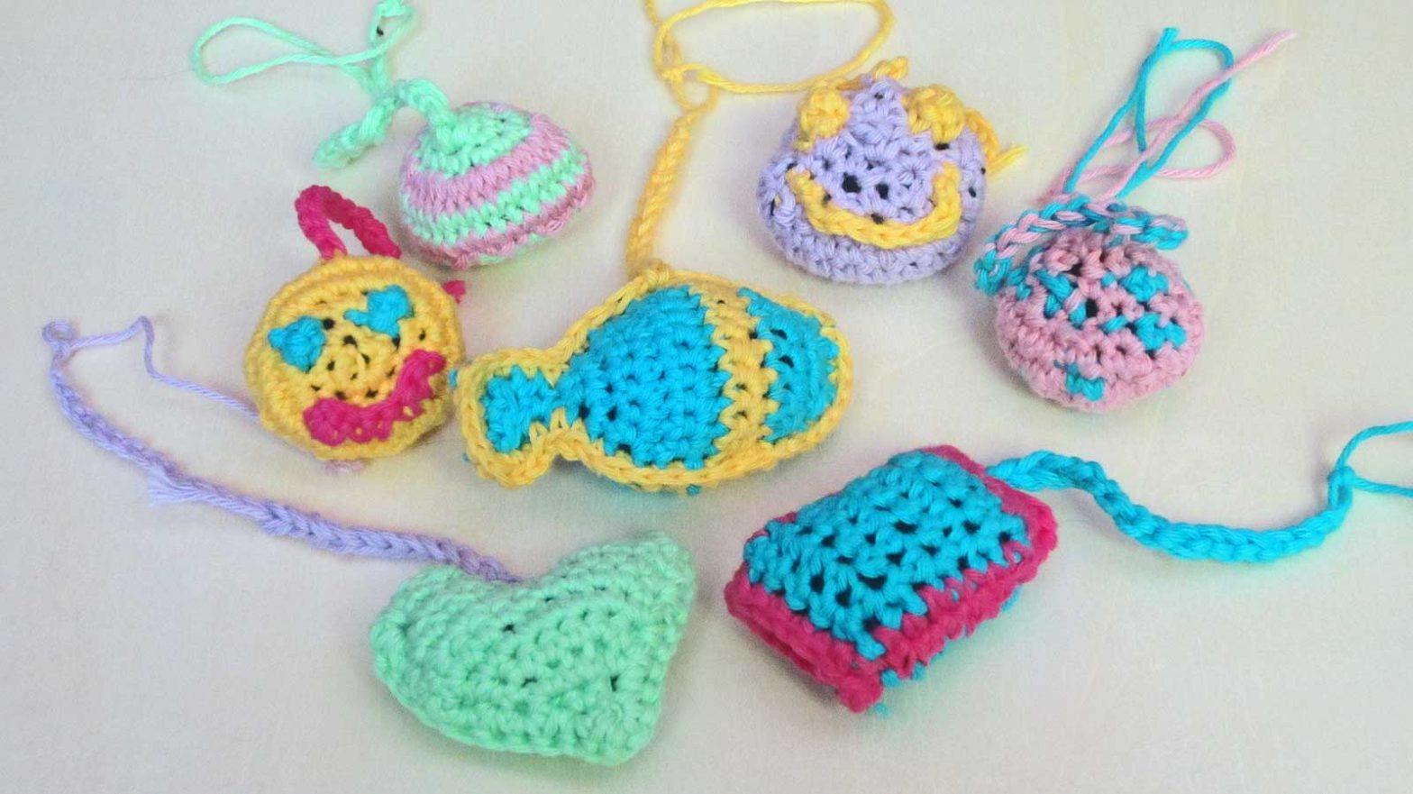 kleine Häkelobjekte für Kater Joschi